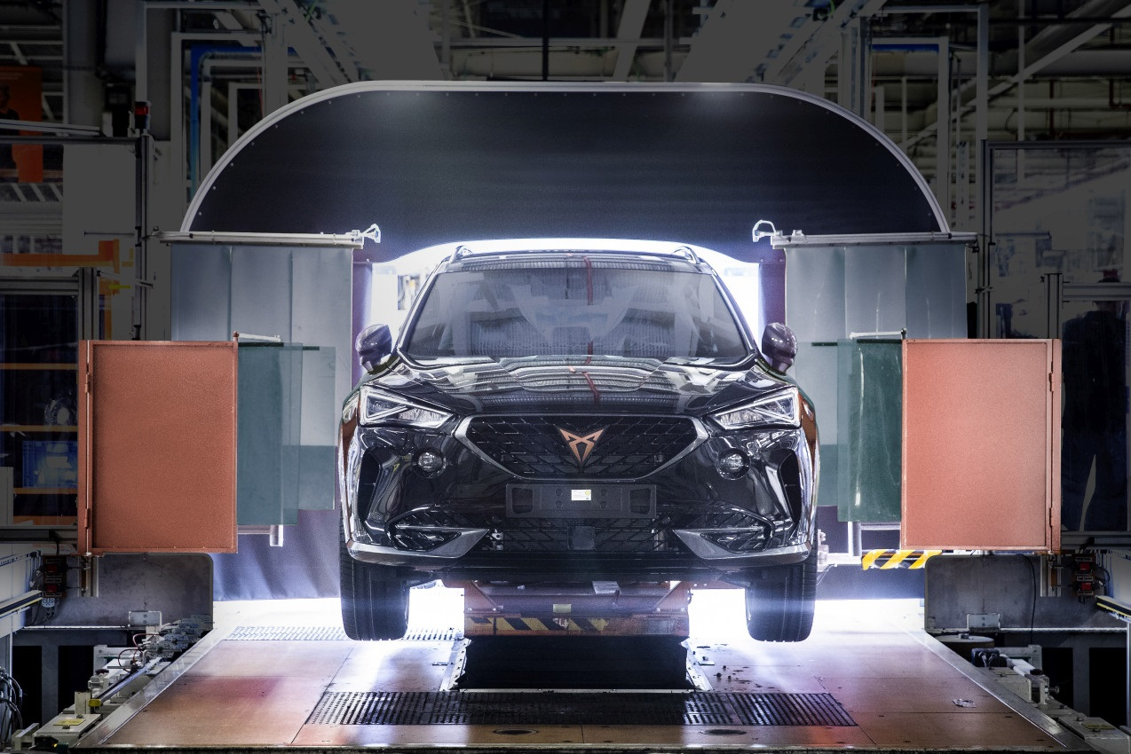 cupra-boosts-electrification-and-starts-production-of-the-formen.jpg