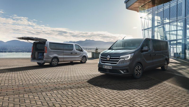 14-2021_-_new_renault_trafic_spaceclass_on_location.jpeg
